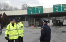Арестуваха българин на Промахон, търговец на бебета.