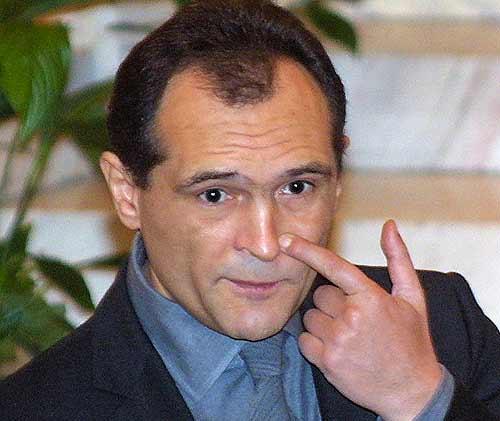 Васил Божков публикува есемеси между него и финансовия министър Владислав Горанов