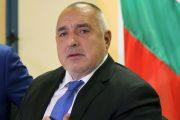 Бойко Борисов се кълне, че не е виновен, като дърта циганка, хваната да краде в трамвая.
