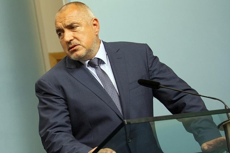 Борисов за сега спасява Валентин Златев, стопирайки разработка на ДАНС срещу него.