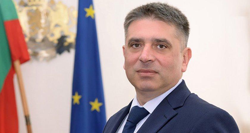 Данаил Кирилов: Нецелесъобразно е да питаме испанското правителство има ли разследване за пране на пари на Бойко Борисов!