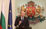 Започна медийният импийчмънт на президента Радев! Борисов се бори за мястото му.