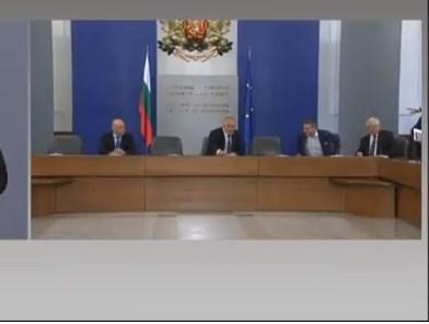 Борисов: През криза се минава с лишения, мобилизация и единство