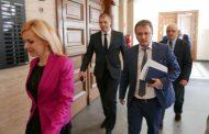 По искане на прокуратурата съдът задържа под стража тримата обвинени за участие в група за корупционни действия в Басейновата дирекция в Пловдив
