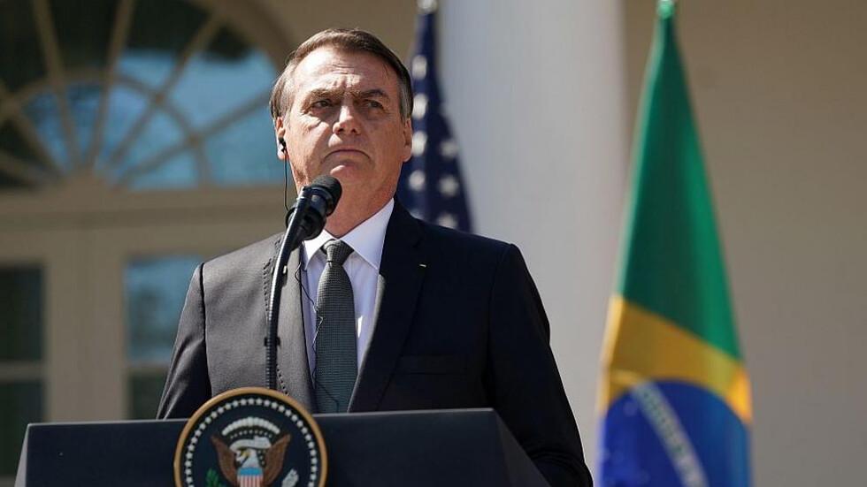 Туитър изтри постове на бразилския президент Болсонаро, който е несъгласен с мерките за COVID – 19. Има ли световен заговор?