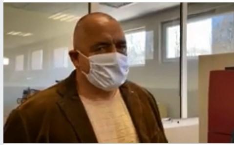 Бойко Борисов посети предприятие, което произвежда защитно облекло
