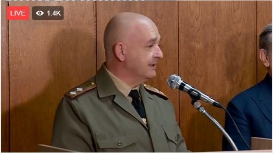 Трудно Мутафчийски ще заеме мястото на Радев като президент. Рейтингът му тръгна надолу.