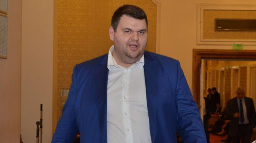Делян Пеевски е отслабнал минимум с 40 килограма и е в перфектно здраве!