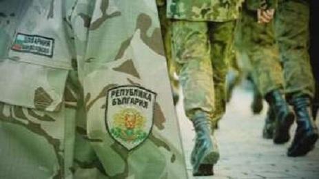 Опасно е, че армията се включва в борбата срещу коронавируса. Може да забрави с кого се бори!