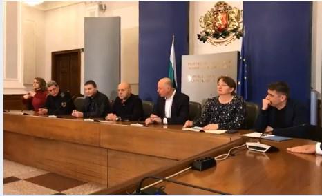 Премиерът Борисов: Държавата е готова през НОИ да поеме 60% от заплатата на работници