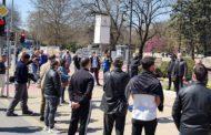 Варненци се вдигнаха на мирен протест срещу абсурдни мерки заради пандемията.