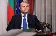 Президентът Румен Радев тръгна в погрешна посока. Вместо да уволни служител, дава изявления!