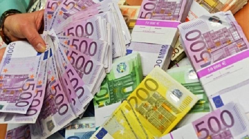 Правителството отпуска безлихвени заеми на застрашения бизнес, а първите, които ги получават, са колекторски фирми