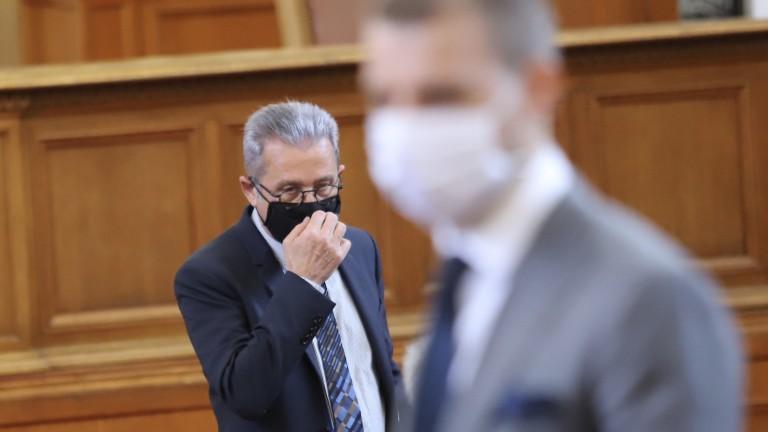 БСП и ДПС дават повод на Борисов да се разграничи от ДПС и да ги обвини в прегръдка с БСП