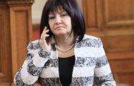 Караянчева не си вдига телефона. От БСП изнервени.