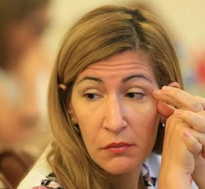 Ангелкова иска да е шеф на Комисията по икономическа политика и туризъм в парламента