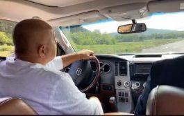 Протестиращи питат защо Борисов получава заплата на премиер, след като е обикновен шофьор?