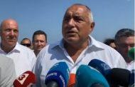 Борисов нарече Радев разединител и ченгеджия. Театърът продължава