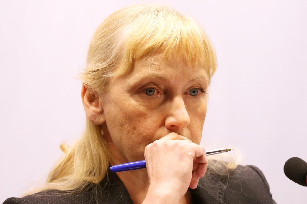 Елена Йончева: Борисов ще последва ли примера на колегите си от Нидерландия и Естония да подаде оставка!?