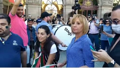 Мая Манолова с тъпана: Протести до оставката! Oчaквaм вълнa oт прoтecти дo пaдaнeтo нa Бoриcoв