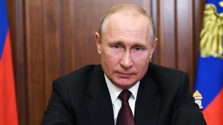 Путин завзема света чрез руската ваксина Спутник 5. Всички му имат доверие.