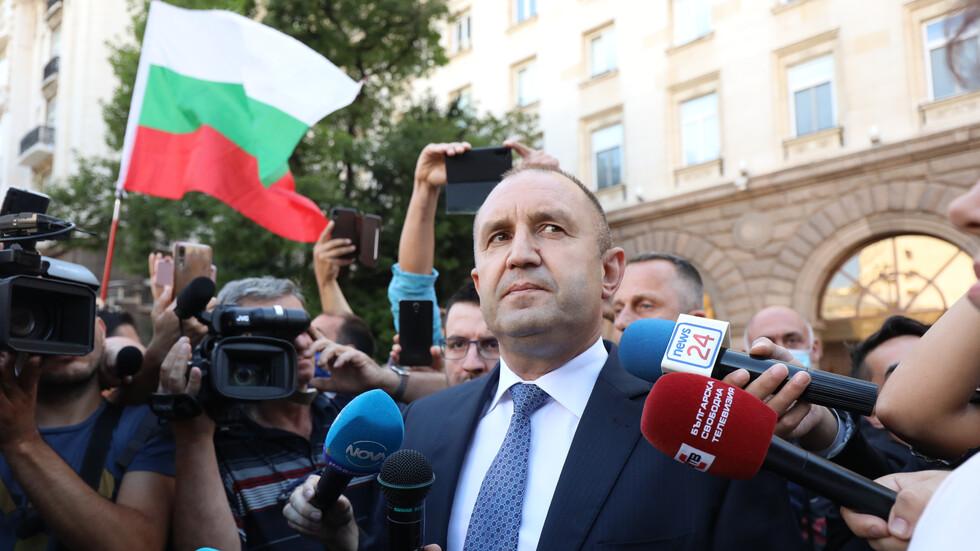 Димитър Главчев зове президента Радев да си подаде оставката!