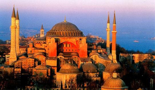 """Припомням. Писах го вчера. Църквата """"Света София"""" стана джамия. Никой – ни президент, ни премиер, ни председател на Народното събрание – не обелиха дума."""