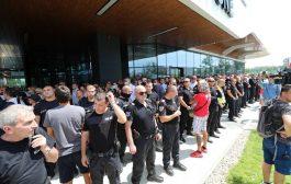 Задържаха нападателите на форума на ГЕРБ, на единия предложили пари, за да прави провокации