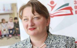 Деница Сачева скандализира протестиращите във фейсбук, а други я подкрепиха