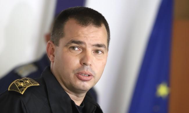 Шефът на СДВР Антон Златанов проплака във фейсбук като използва днешния празник!