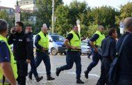 Голямо напрежение възникна между протестиращи и полицаи!