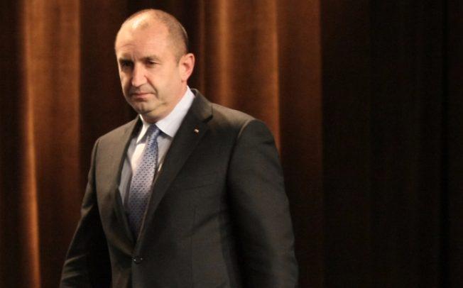 Народът очаква от Румен Радев да сложи някакъв ред в енергийната криза, като бъде преизбран.
