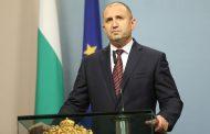 Войната между президента Радев и Корнелия Нинова може да провали и двамата