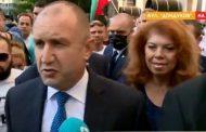 """Румен Радев между протестиращите на жълтите павета: """"Вече няма никакво значение какво е казал Борисов"""""""
