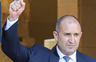 Президентът Румен Радев е единственият политик с трайно одобрение сред народа