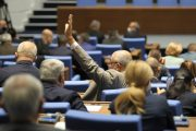 Днес неочаквано ГЕРБ предложи новата конституция за гласуване, за да отвлече вниманието на хората