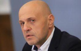 Томислав Дончев и Тома Биков сътвориха поредния скандал, задавайки 1 въпрос на служебния кабинет.