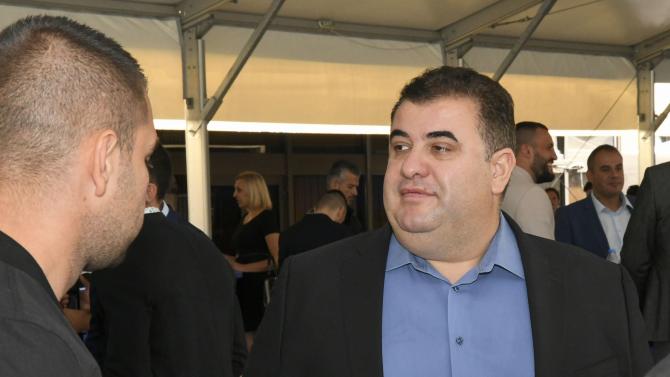 Идеите на Павел Вълнев за гласуване по пощата на българите в чужбина станаха повод за раздор между ГЕРБ и президента.