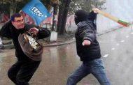 Става опасно за гербаджии. Гонят ги с бухалки по улиците заради Борисов.
