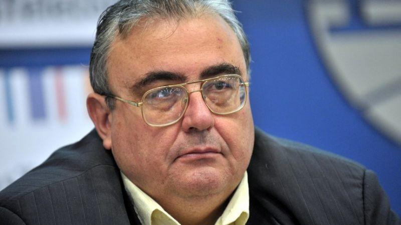 Политологът Огнян Минчев се ядоса на прославения диригент Камджалов. Все едно джудже да се ядоса на великан.