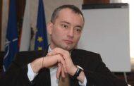 Издигането на Николай Младенов цели да се предотврати власт на Корнелия Нинова след изборите