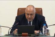 Бойко Борисов се държи като претендент за президентския пост. Като че ли е в предизборна кампания