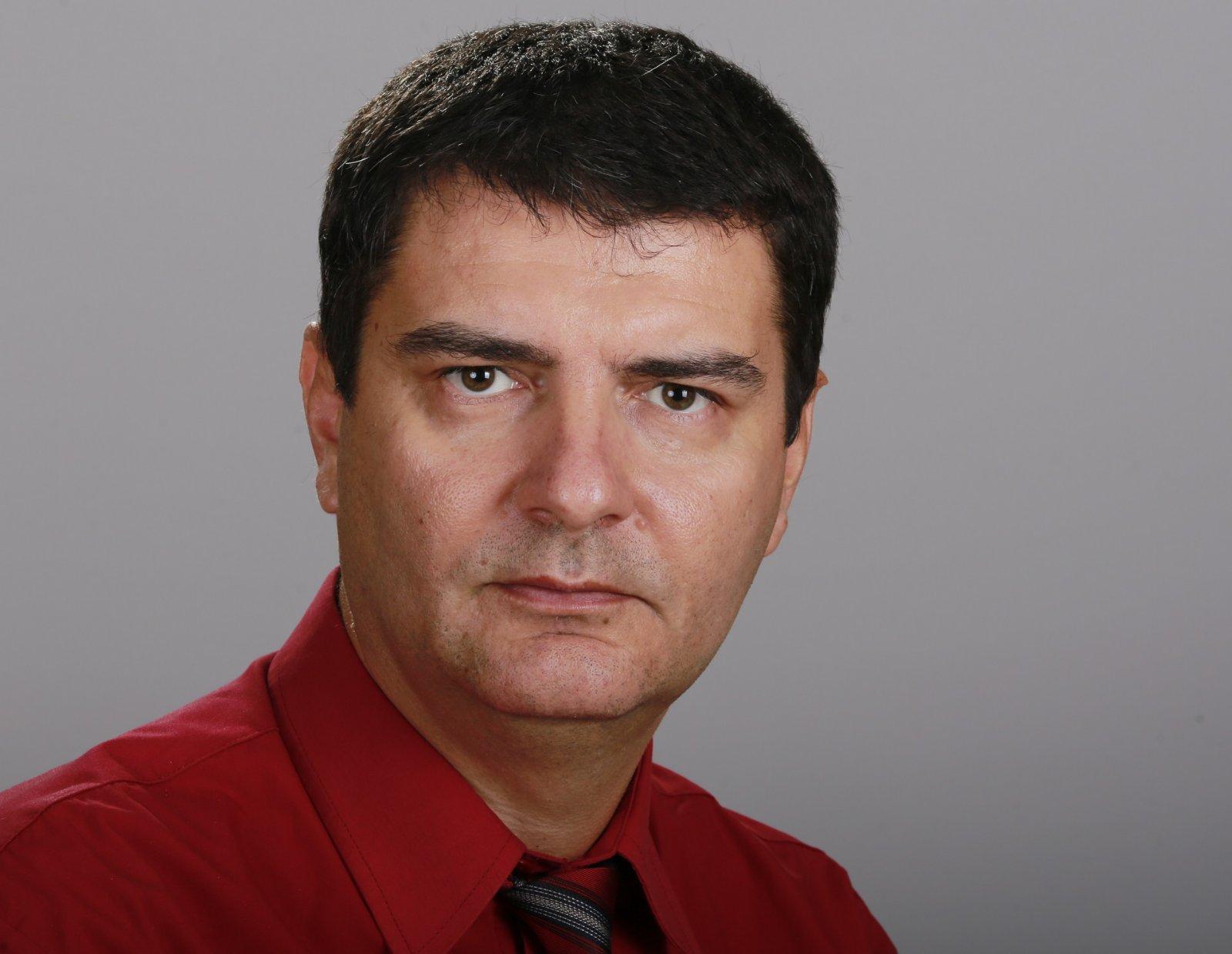Борис Цветков към Борисов: Смятате ли за морално уволнението на доц. Мартин Осиковски