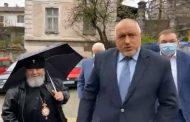 """Бойко Борисов започна да """"завира"""" чекмеджета, компромати и шкафчета в задния двор или там, където трябва"""