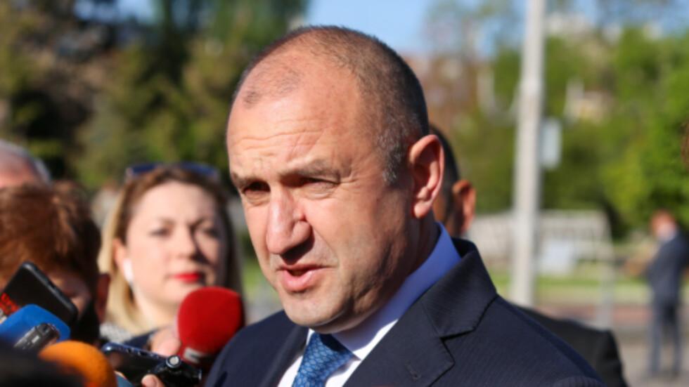 Румен Радев с 64% одобрение от българите