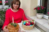 Нинова честити Великден във фейсбук