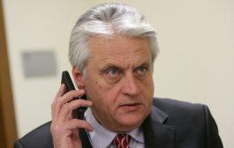 Щатният служител на ДС в пенсия Стоян Иванов управлява вътрешното министерство до Бойко Рашков.