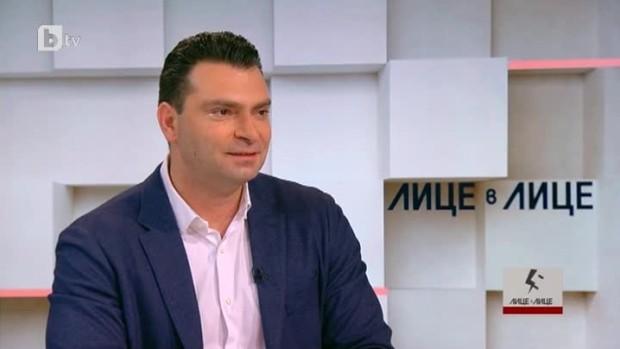 Ако Проданов е острието на Корнелия Нинова, колко тъп трябва да е лидерът на БСП, след като Паргов направи Проданов за смях по БТВ.