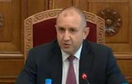 Президентът Румен Радев с два политически проекта. Подпомага Петков и създава свой около премиера Янев