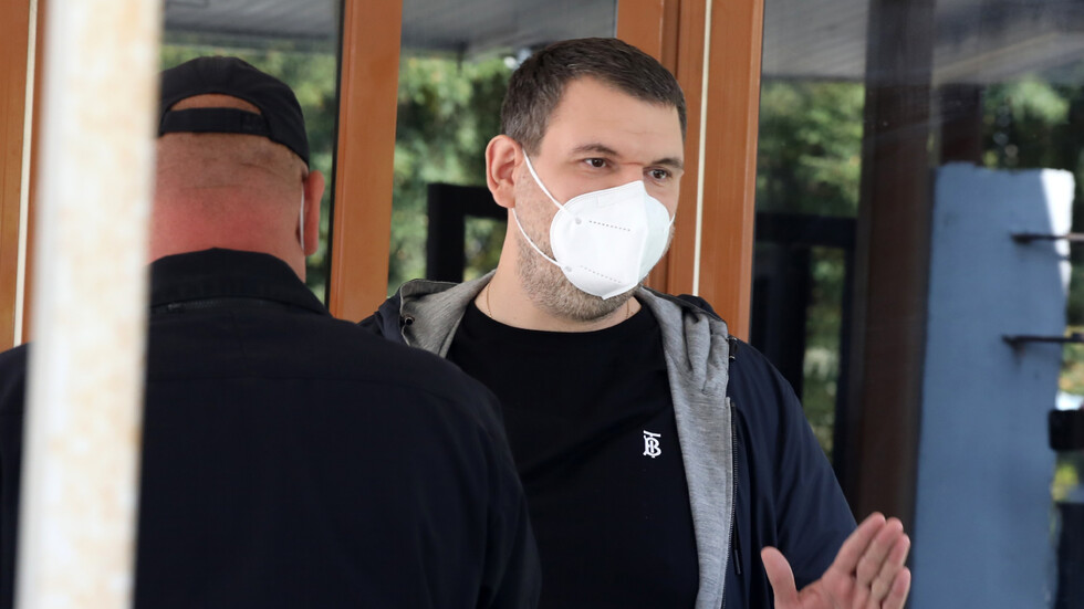 Делян Пеевски се подигра с Христо Иванов и Мирчев, наричайки ги пионки. Ако искат дебат, то трябва да е с шефа им Прокопиев